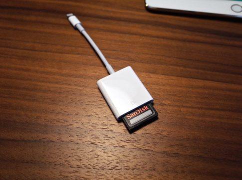 Lightning SDカードカメラリーダー